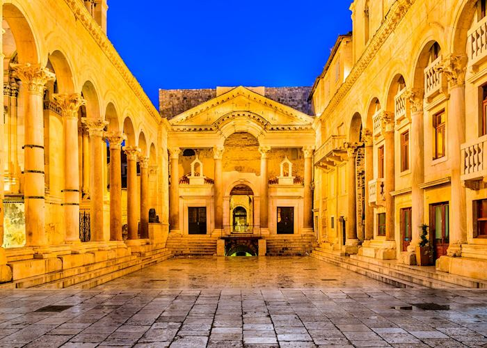 Peristil Square, Split