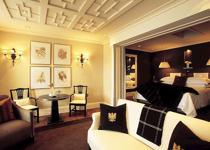 Lake view suite, Eichardt's Private Hotel, Queenstown