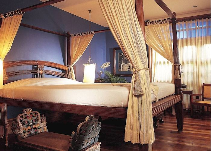 Zamrud of east Java suite, Tugu Malang, Malang