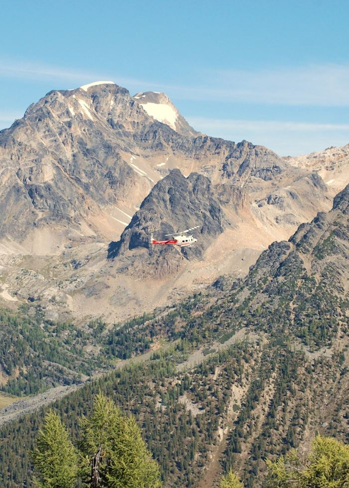 Helicopter flight through the Rockies, Banff