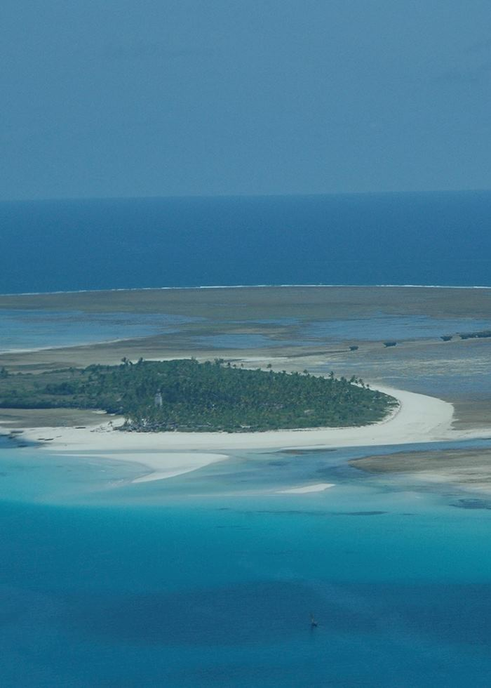 Fanjove island from the air, Songo Songo Archipelago