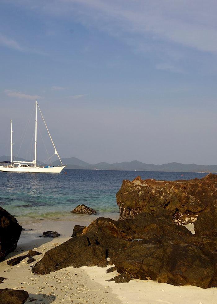 Meta IV yacht on the Mergui Archipelago
