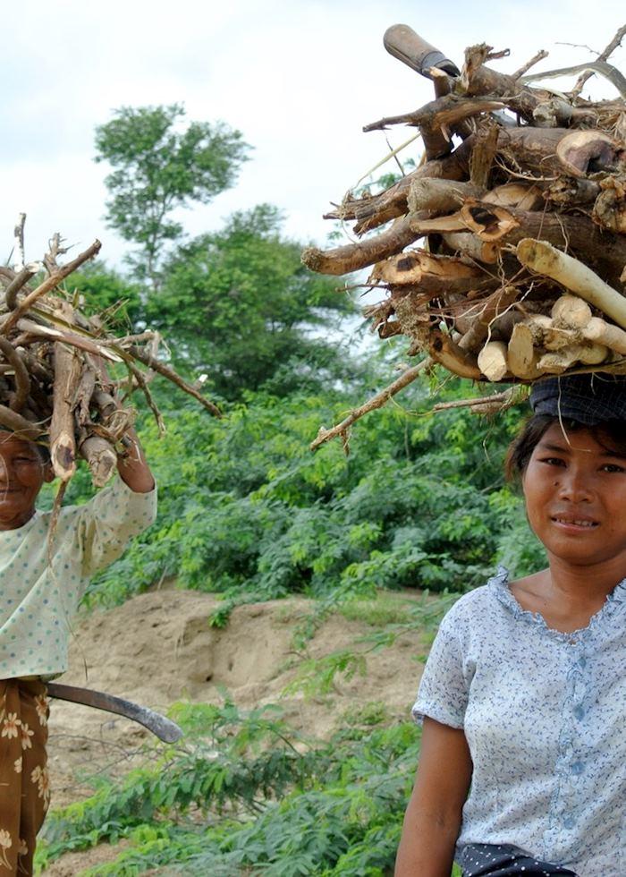 Women collecting sticks, Bagan, Burma (Myanmar)