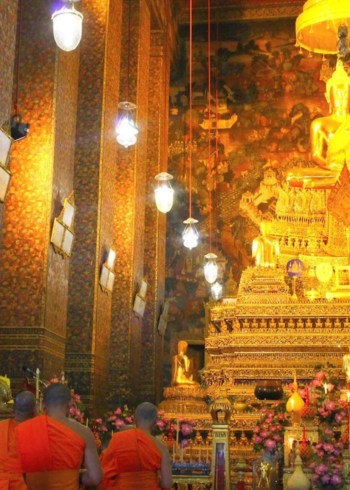 Chanting at Wat Suthat, Bangkok, Thailand