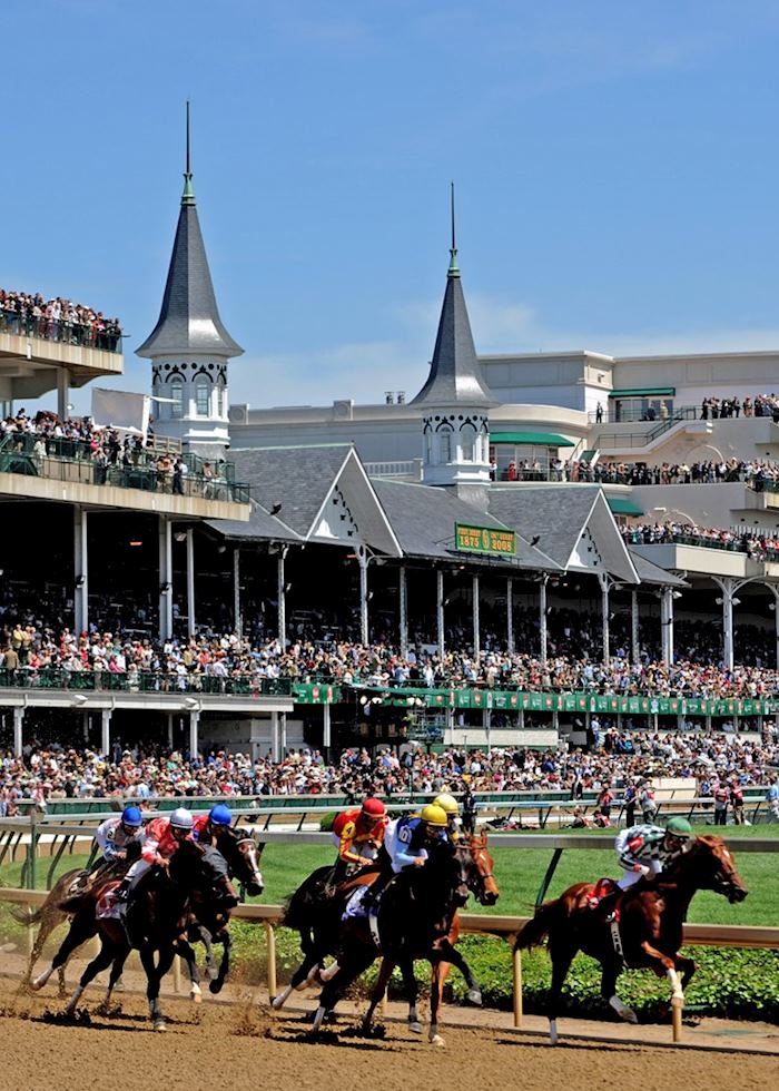 Racing at Churchill Downs, Louisville