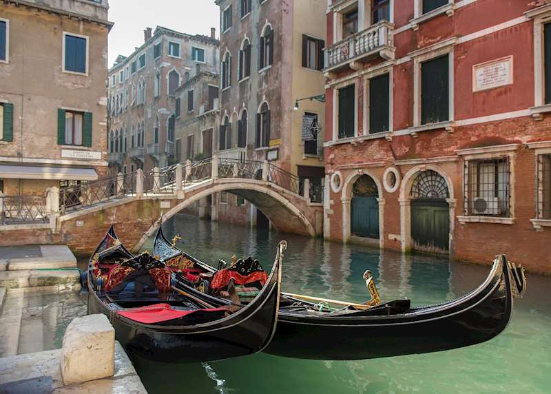 Secret canals & corners of Venice