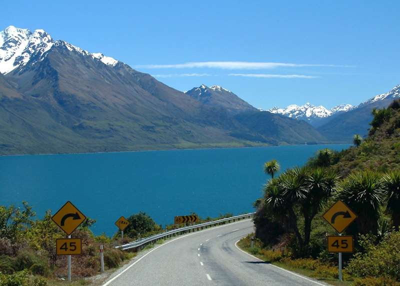 Driving vacations in New Zealand: 3 great routes